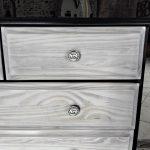 Commode à tiroirs vintage relookée