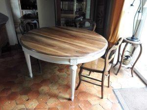 Table ronde rustique vintage après relooking par customdeco